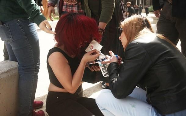 Üniversiteli kadın öğrenciye dayak