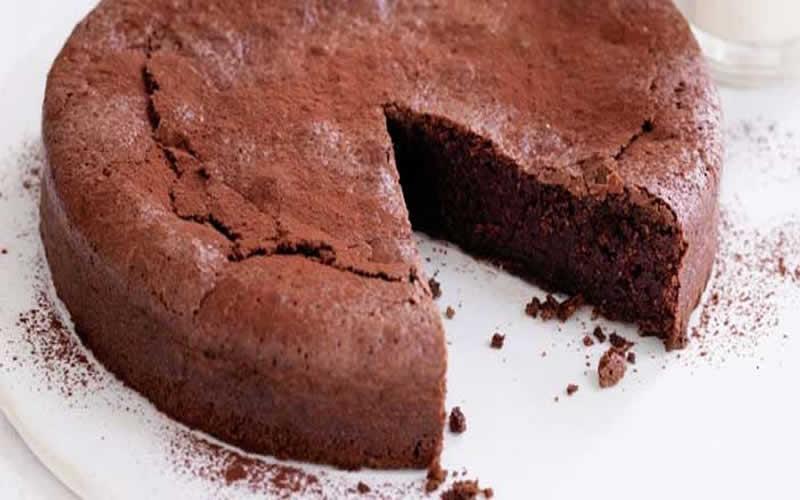 Diyetik Unsuz Çikolatalı Kek