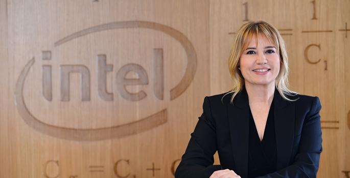 Silikon Vadisi'nde Başarılı Bir Türk Kadını