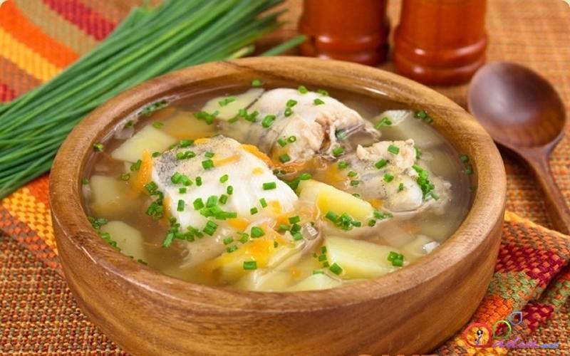 Somon balıklı sebze çorbası
